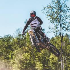Nous serons à ST-ÉLIE MOTORSPORTS ce week-end ! 😎🏁 Passez nous voir ! . . . . #plxsport #speedshop #steliemotorsports #race #track #mx #motocross #dirtbike