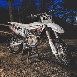 Night beauty 🖤 . . . . #plxsport #speedshop #offroad #lifestyle #husqvarna ##fc450 #dirtbike #motocross