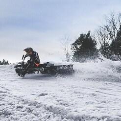 As-tu ton YETI ? Réserve le maintenant pour rouler cet hiver ❄️ @yetisnowmx . . . . #plxsport #speedshop #snowbike #yeti #yetisnowmx #snowbiker #snowbikecross #snowbikenation #snowbikeaddict