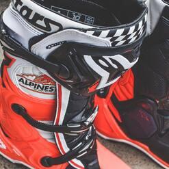Les nouvelles ALPINESTARS TECH 10 💥🔥🤤 @alpinestarsmx . . . . #plxsport #speedshop #offroad #lifestyle #mxboots #boots #motocross #alpinestars #tech10 #dirtbike